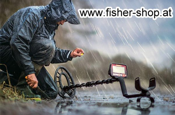 Fisher-F44-Metalldetektor im Regen II Austria